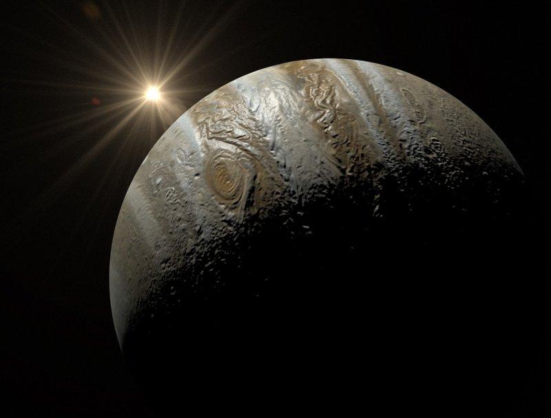 Ученые рассказали о тепловых аномалиях на спутнике планеты Юпитер