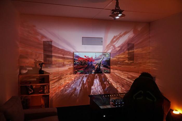 Проектор, который выводит виртуальную реальность на новый уровень восприятия (5 фото)