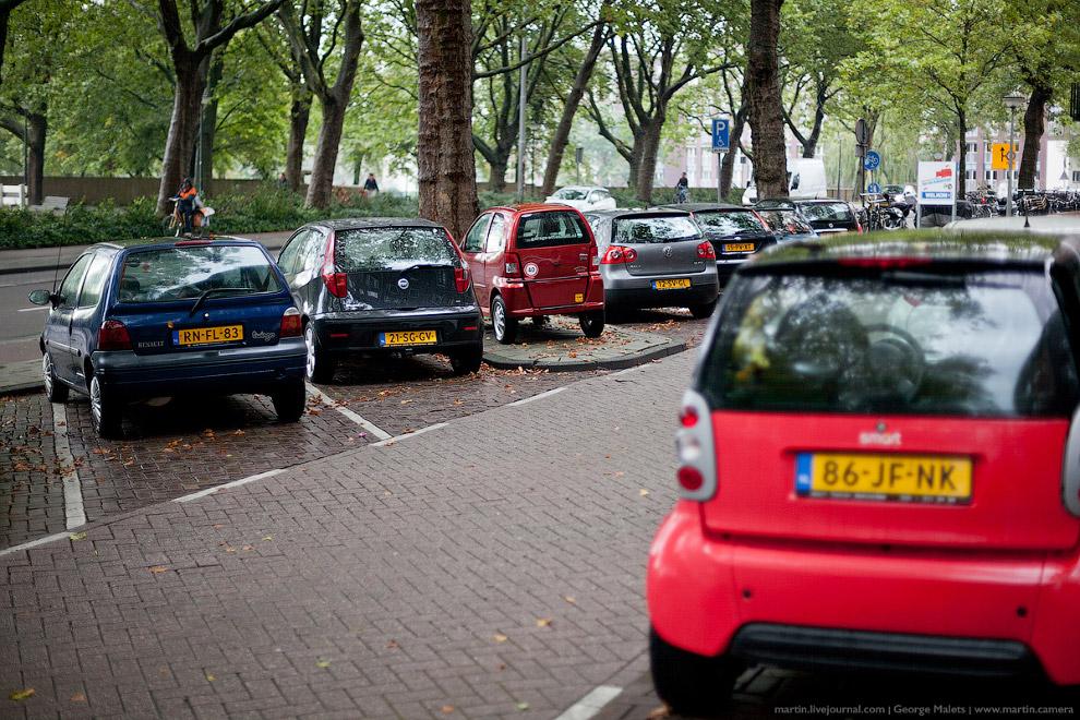 Сетевых заведений в Амстердаме почти нет, за исключением МакДональдсов и прочих кафе быстрого питани