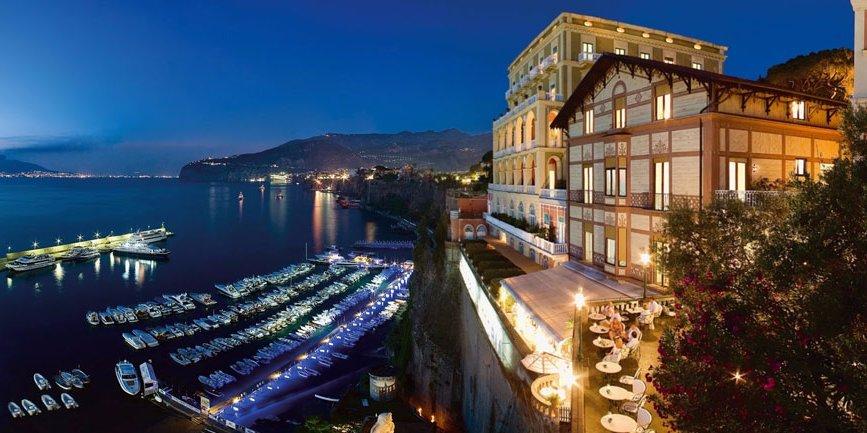 Также имеются путевки в спа-отель Golden Door в Южной Калифорнии, Grand Hotel Excelsior Vittoria в С