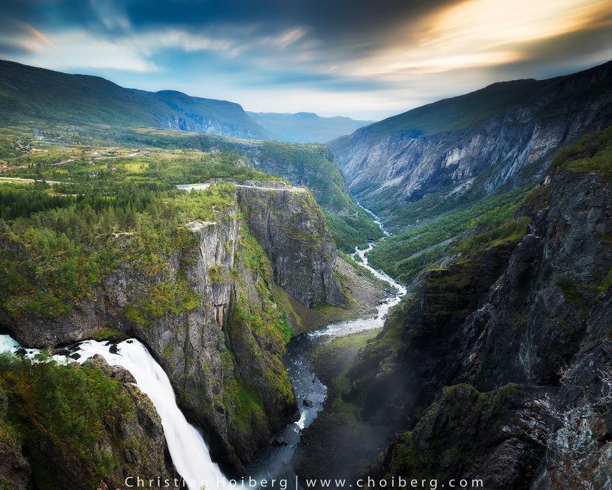 38. Водопад Вёрингсфоссен, часть реки Бьорейу в городе Эйдфьорд, фюльке Хордаланн