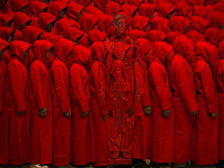 Лю Болин окончил престижный факультет по скульптуре в Шанхайской Центральной академии изящных и