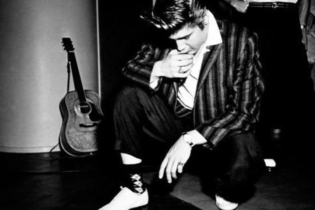 Элвис Пресли Легендарный музыкант тоже из двойни, но его близнец Джесс Гарон умер вскоре после рожде