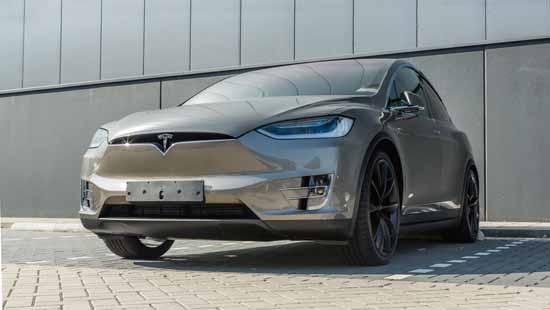 Tesla вдвое увеличит количество зарядных станций заодин год