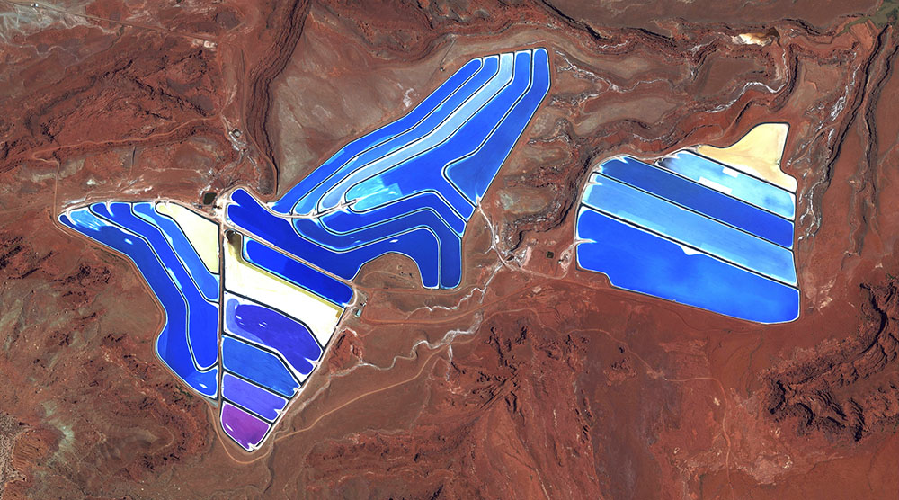 Moab Potash Evaporation Ponds / 38·485579°, –109·684611° / Evaporation ponds are visible at the pota