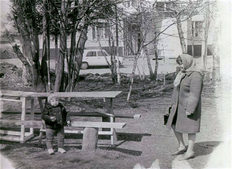 1970 Очаково, двор на Б. Очаковской.jpg