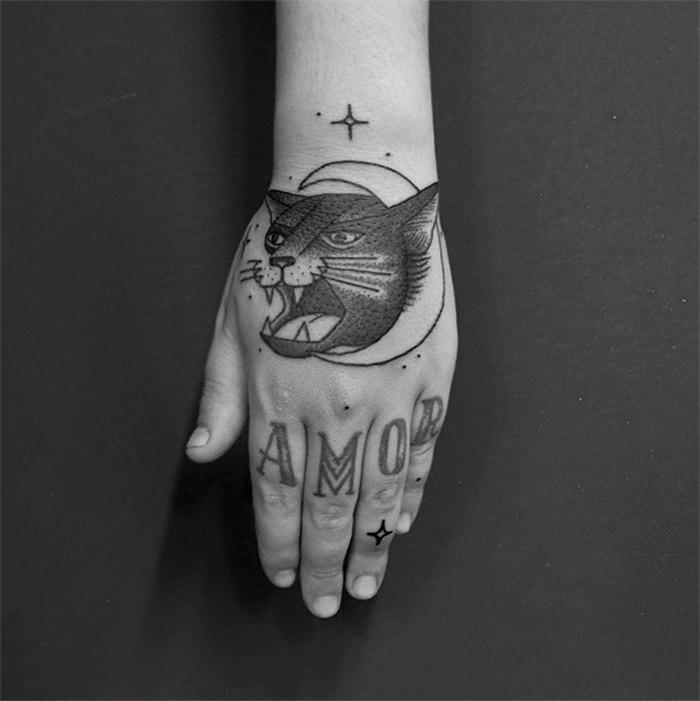 Os tracos fortes das incriveis tatuagens de Daniel Griza