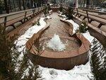 Снег и фонтан.