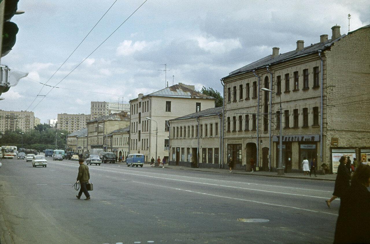 231791 Большая Дорогомиловская улица Сергей Бессмертный в центр.jpg