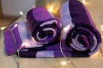 Таких шарфов есть 2 штуки - один взрослый (1200) и один детский (800)