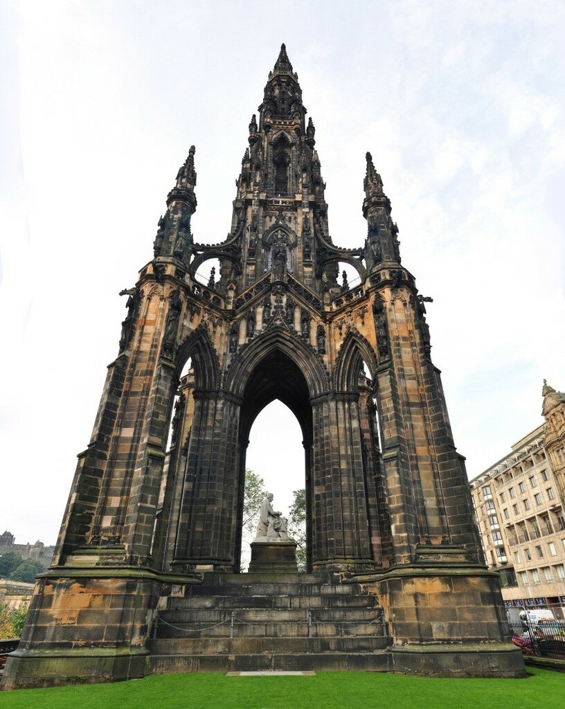 the-scott-monument-edinburgh.jpg