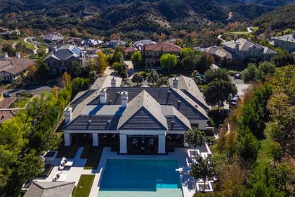 Уэйн Гретцки продал дом в Америке