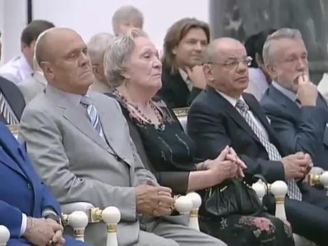 20100726_16-00-В Кремле состоялась церемония вручения государственных наград.