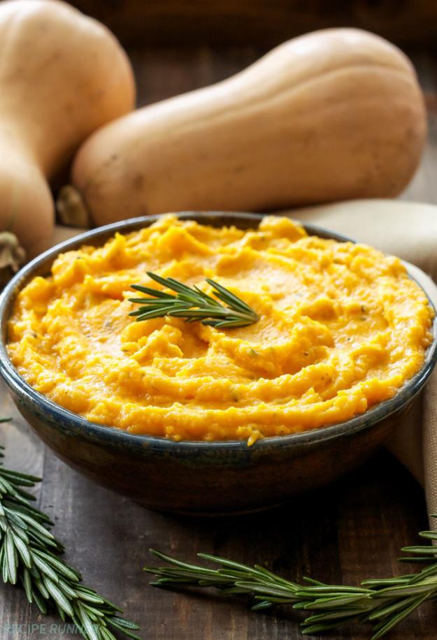 Пюре из тыквы, розмарина и козьего сыра Ингредиенты (на 4-6 порций): 700 г мускатной тыквы, очищенно