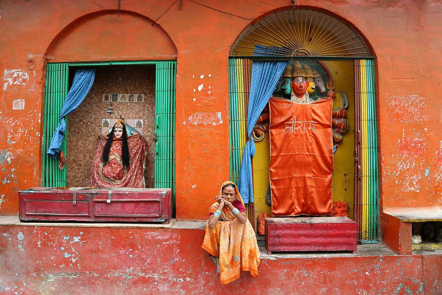 Женщина в Варанаси, Индия.