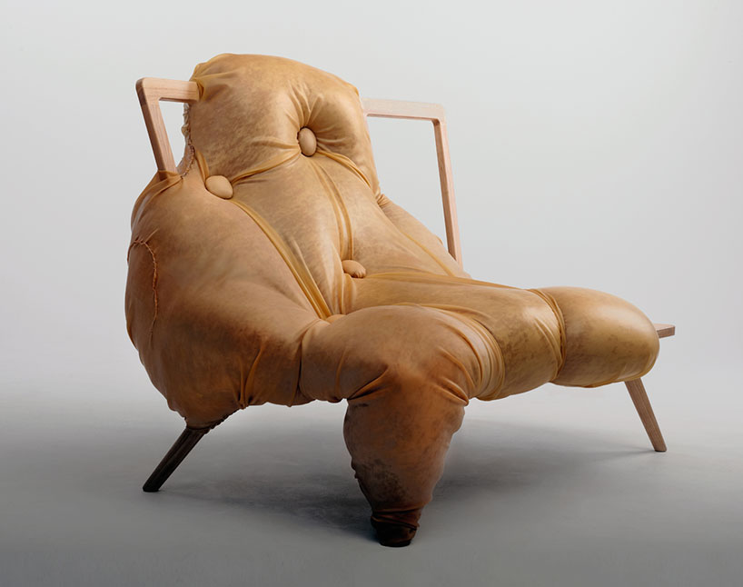 Кресло в абстрактном стиле