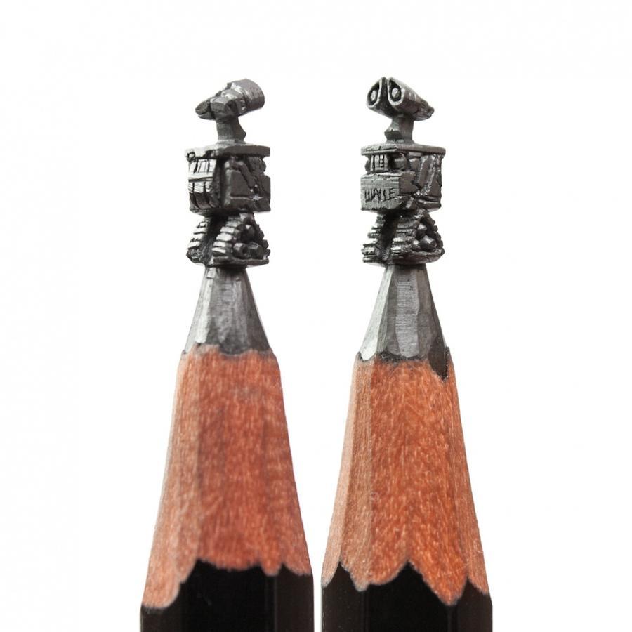 1. Большую часть работ художника покупают коллекционеры США, Автралии и Европы. А вот на родине, к с