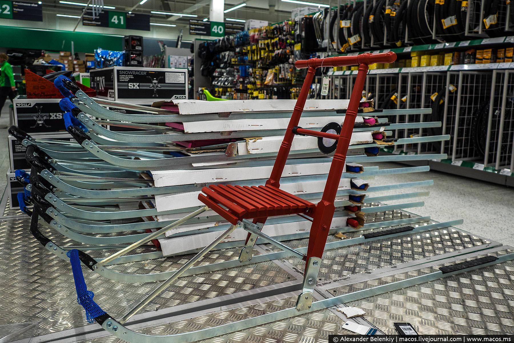 Карельские санки — популярный транспорт финских пенсионеров. Питерцы, купите такое своим бабушкам, о
