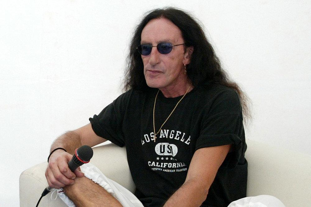 Кен Хенсли отменил русские гастроли