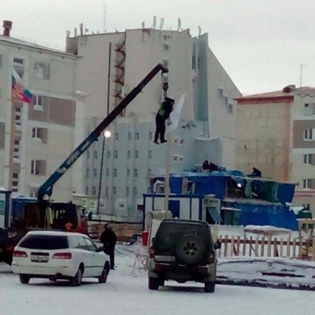 Установка флага в Норильске