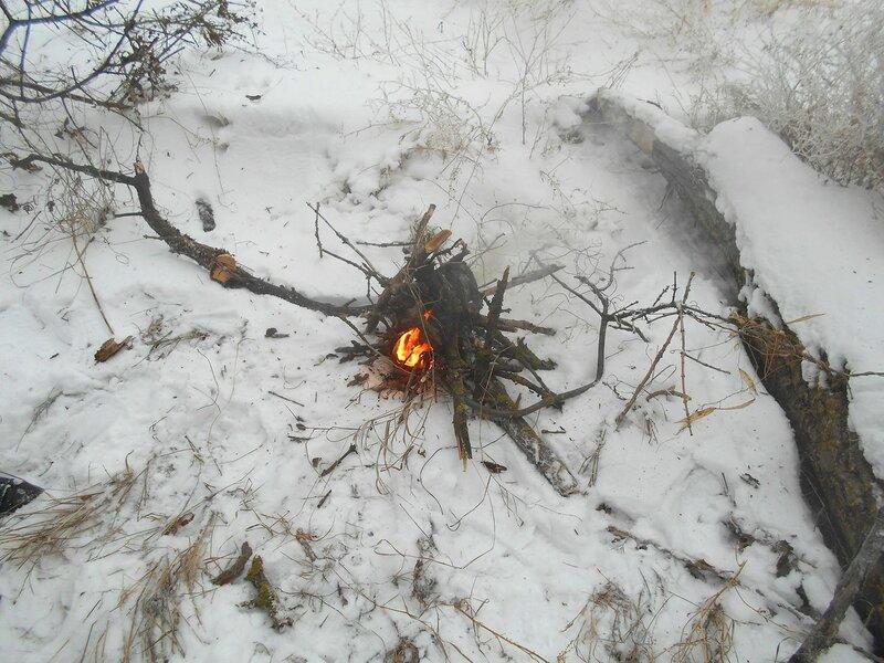 Есть первый огонёк ... В походе декабрьском, снежно-туманном,