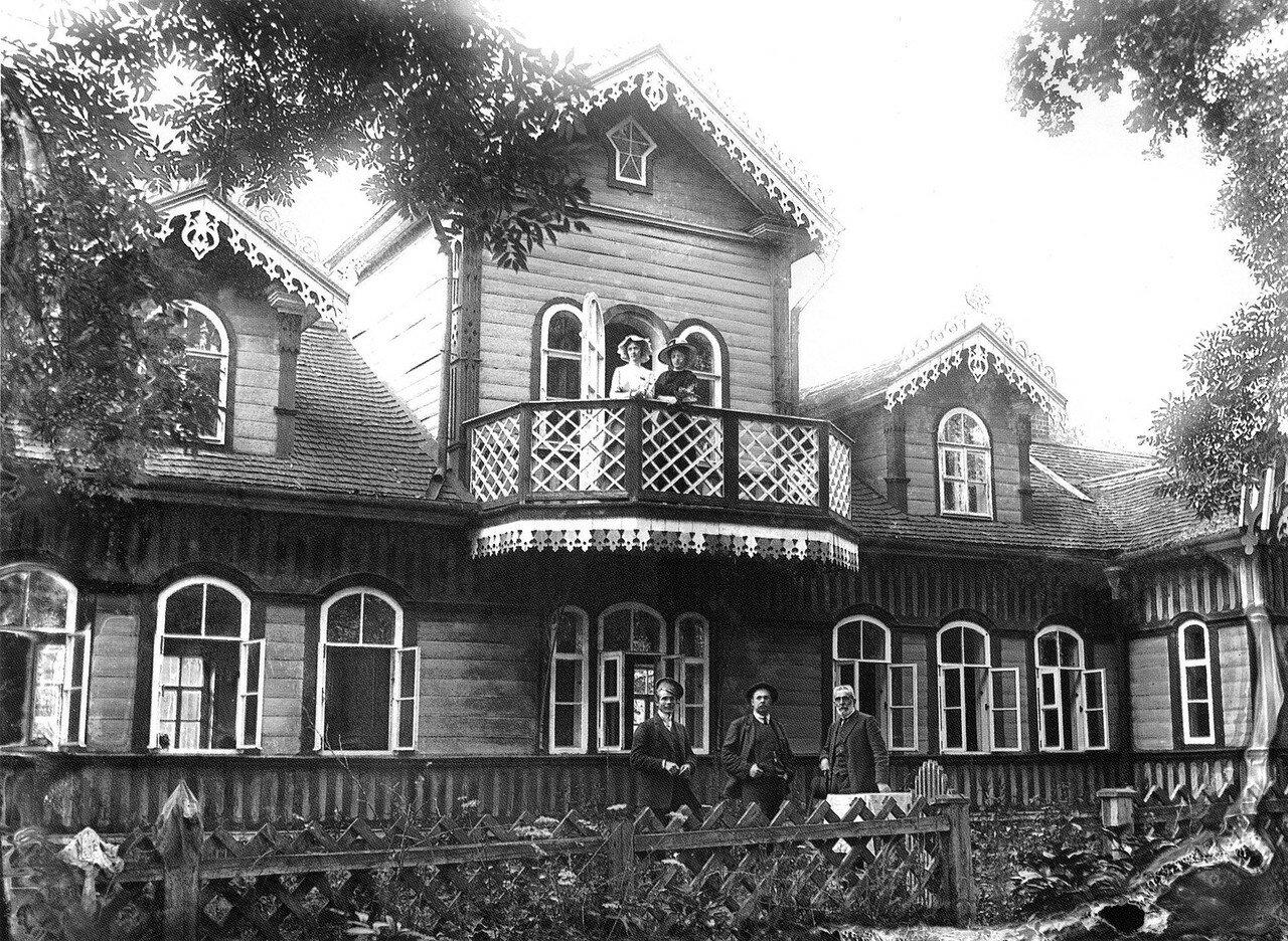 Окрестности Смоленска. Гнездово. Господский дом. 1915