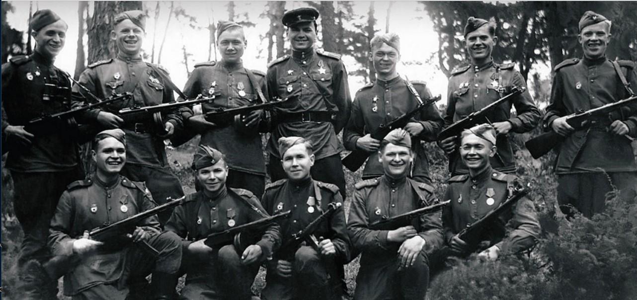 Взвод разведчиков 63-й гвардейской Челябинской танковой бригады