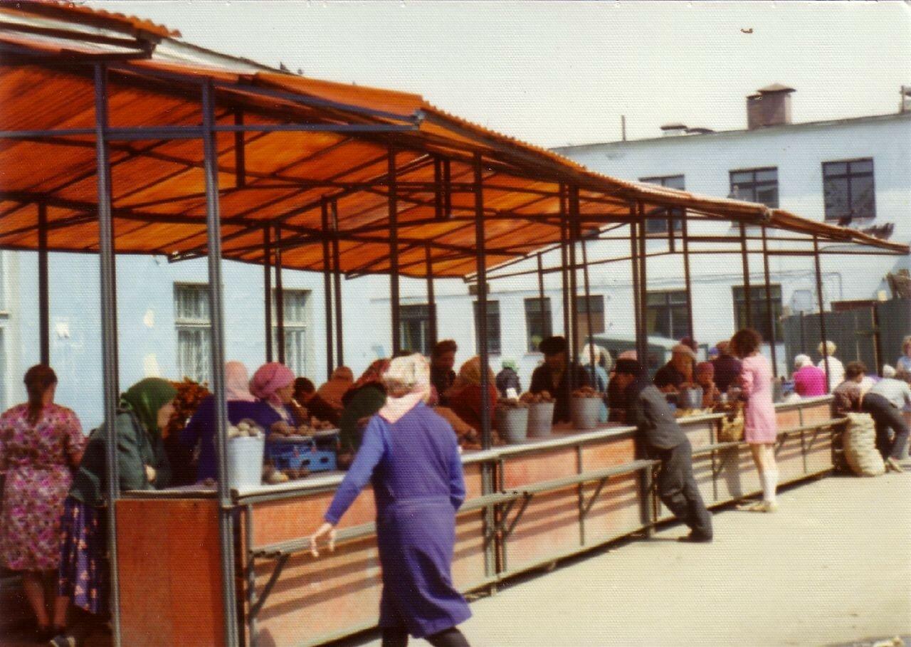 Иркутск. Торговые ряды на Центральном рынке