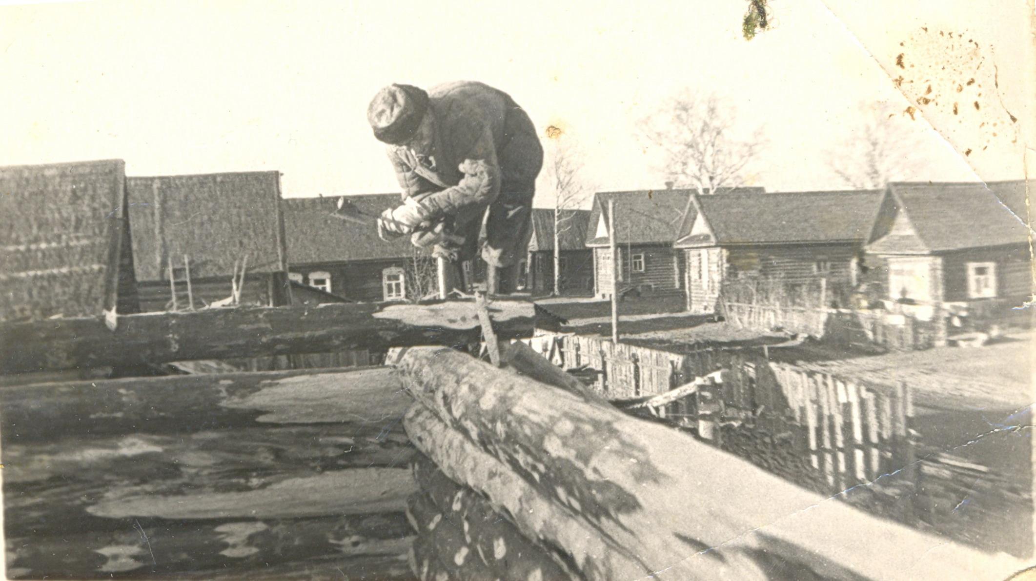 1960-е. Строится двор дома Оксиньи