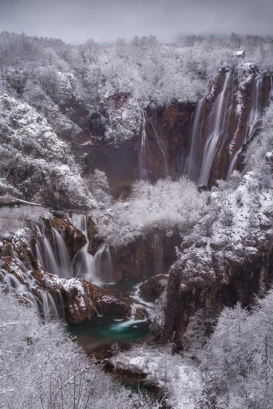 Живописные озера и водопады, лес и скалы из самого сердца Хорватии