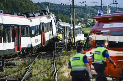 Столкновение двух поездов в Италии унесло уже 20 жизней