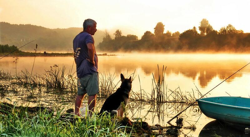 С другом на рыбалке
