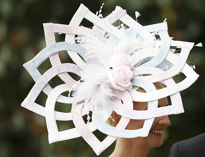 «День леди»: парад шляпок на скачках Royal Ascot 2016 0 165a2e 88c4e0cb orig