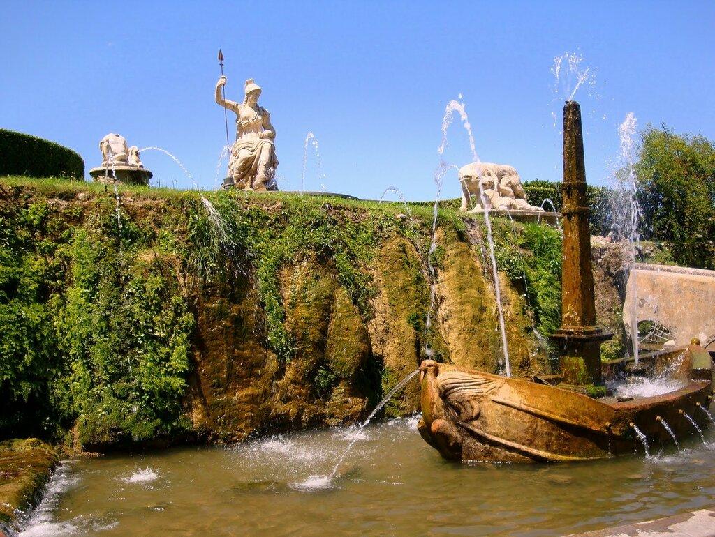 Парк виллы Д'Эсте в Тиволи. Фонтан La-Rometta.jpg