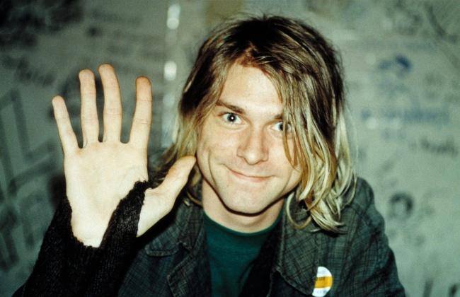 90-е обозначились гранж-рок-волной, породившей новое поколение людей, которым было все равно, что но