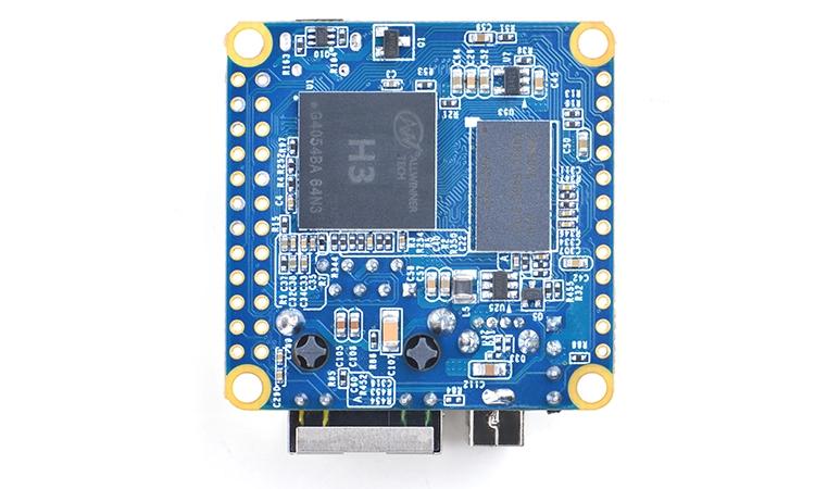 Мини-плата наделена сетевым контроллером 10/100M Ethernet с соответствующим разъёмом для подключения