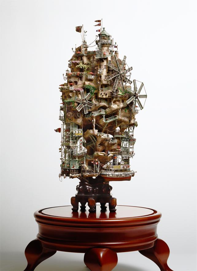 9. Таканори создавал дизайн одного из музеев в Йокохаме, а также сети ресторанов