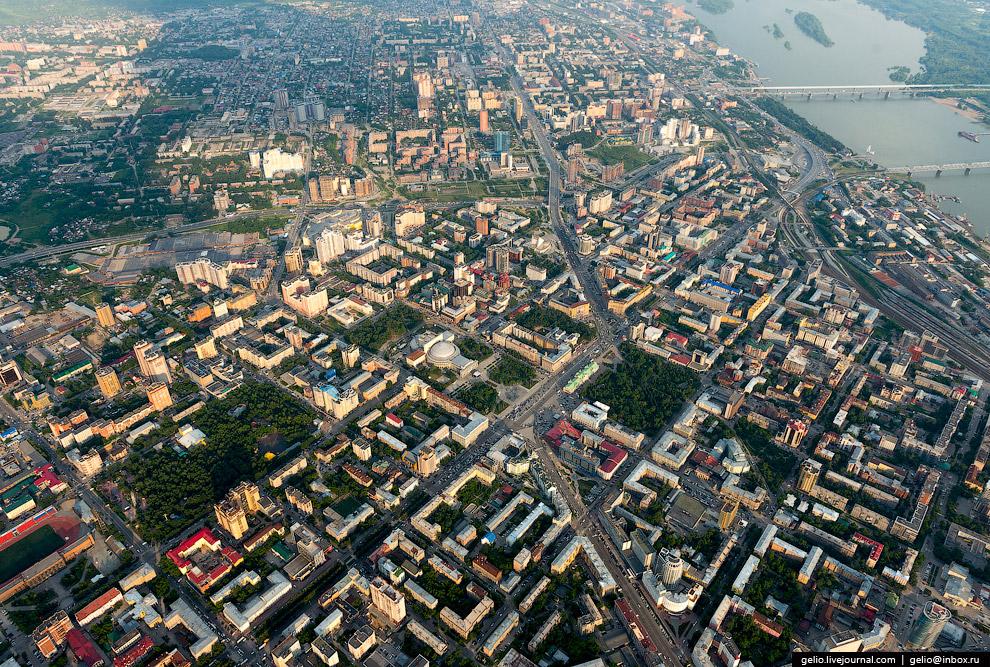 4. Из-за выгодного географического положения, густонаселенности, развитой научной базы и промыш