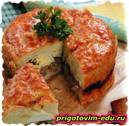 Рисовый пирог с мясом и яйцом.