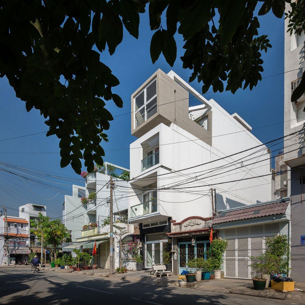 NA House, NatureArch Studio, узкий частный дом фото, построить дом на узком участке, четырехэтажный частный дом фото, частные дома во Вьетнаме фото