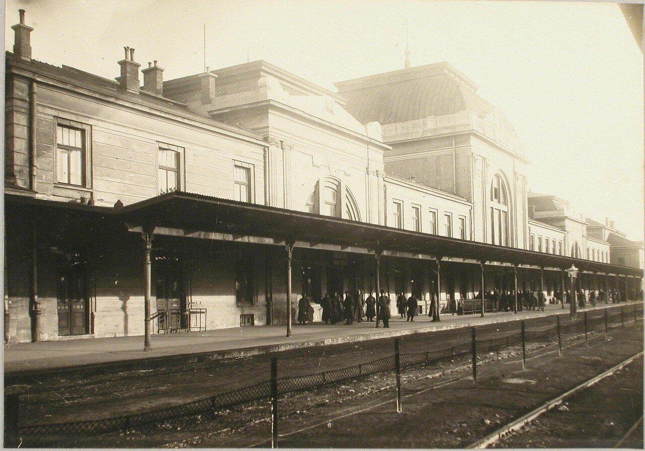 76. Вид здания вокзала. Галиция, ст. Тарнов