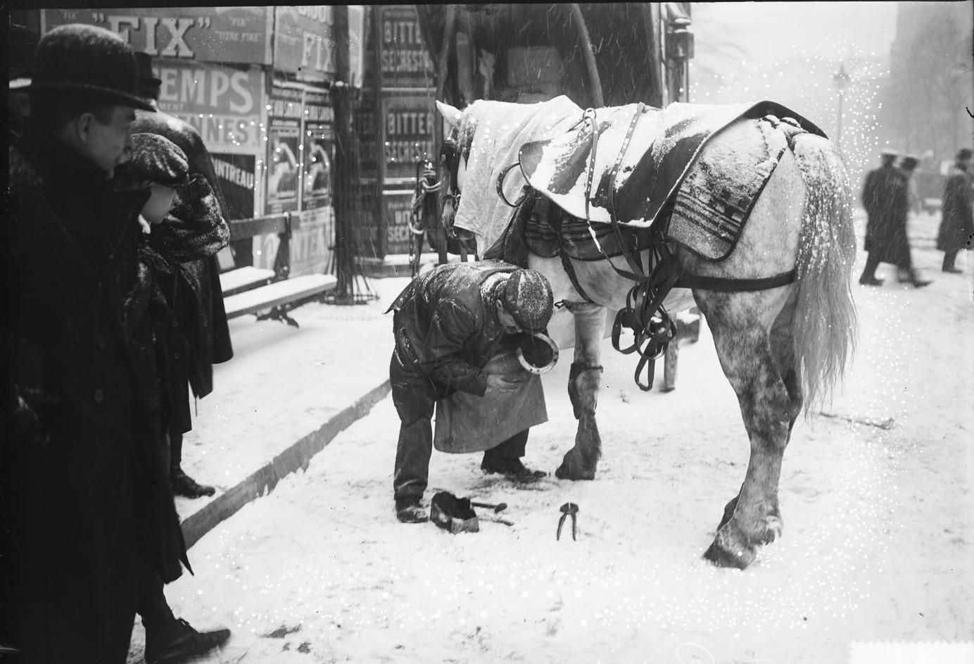 1908. Сцена во время снегопада