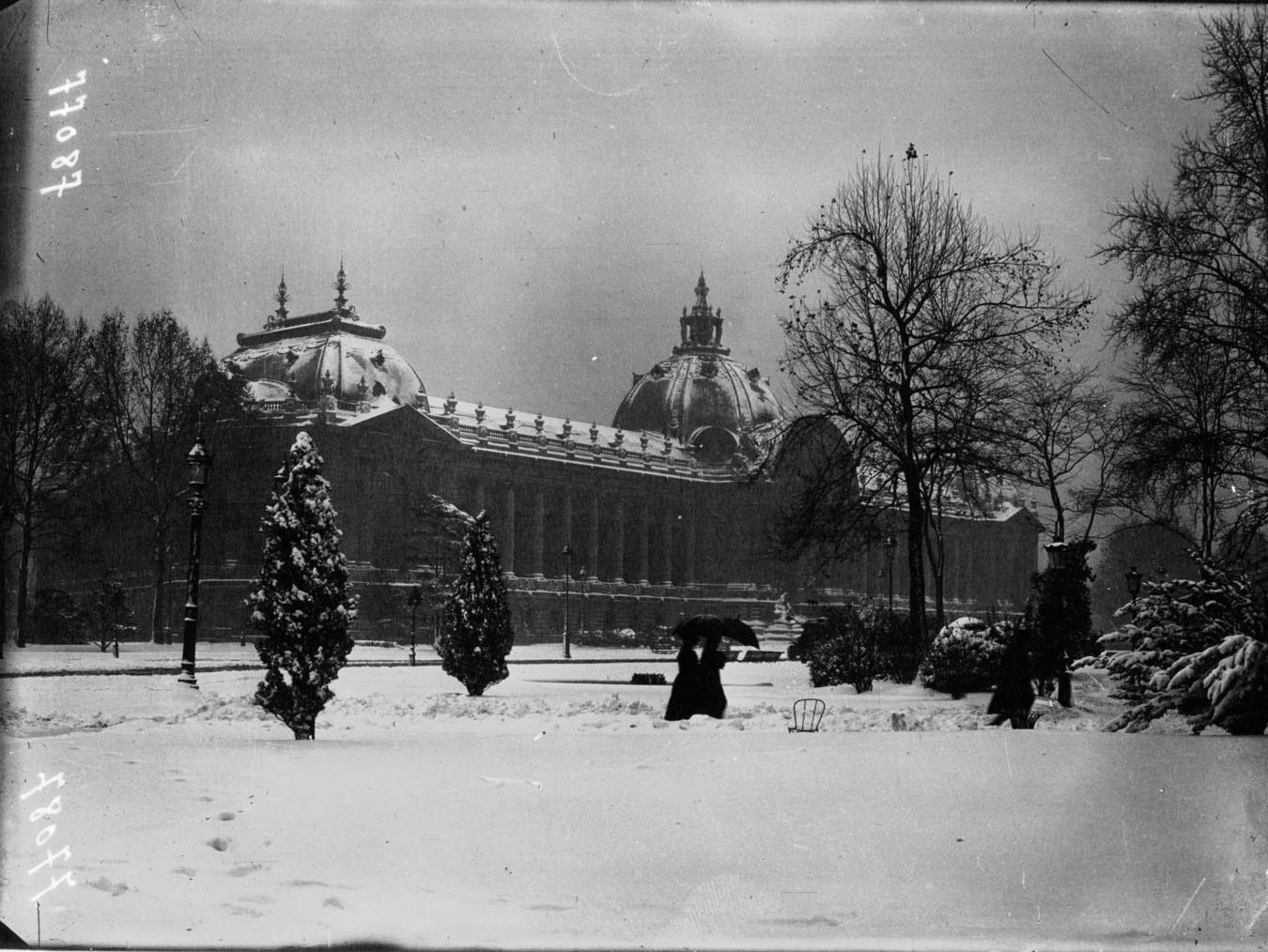 1919. Малый дворец в снегу