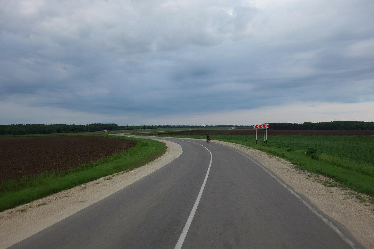 странный изгиб шоссе