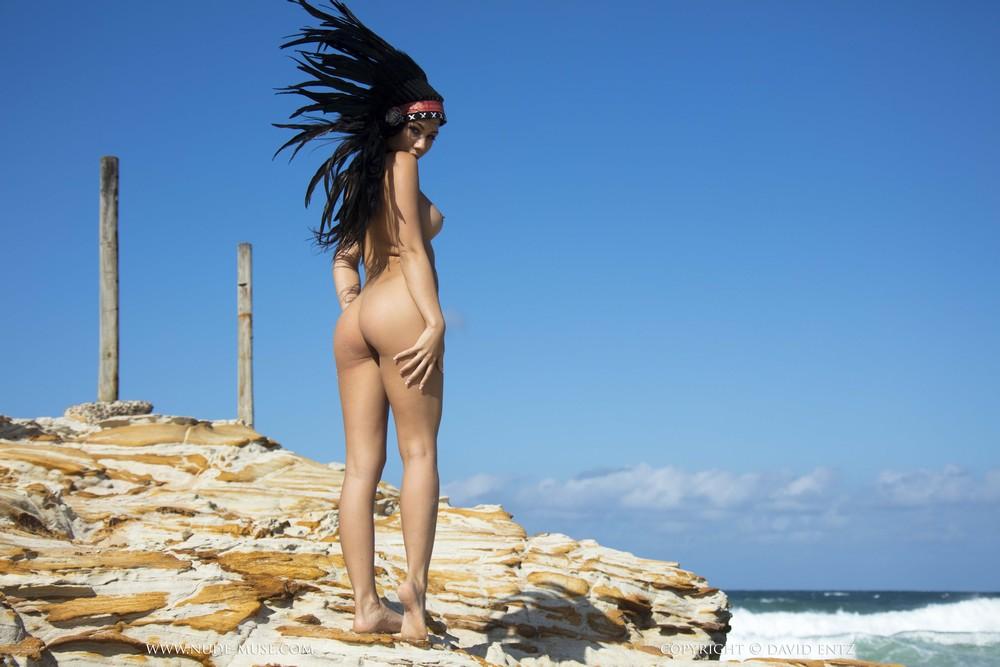 Castelle в перьях