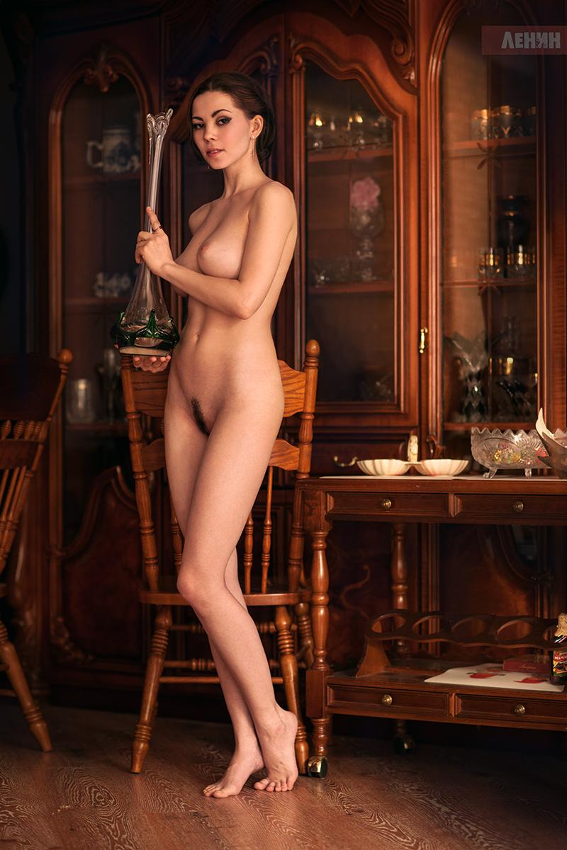 Обнаженные девушки на снимках Сергея Ленина