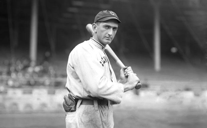 13. Бейсбольная бита Босого Джо В 1920 году игрок бейсбольной команды Джо Джексон перестал играть би
