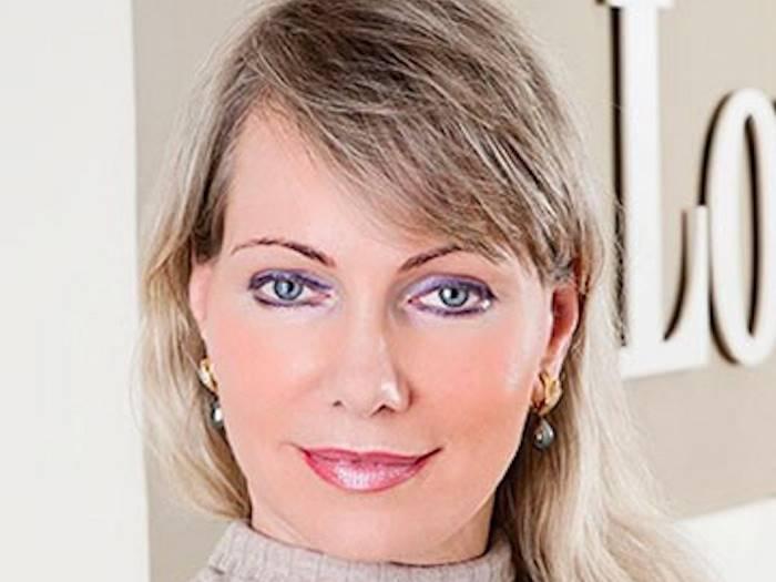 Маргарита Луи-Дрейфус (в девичестве Богданова) родилась в Ленинграде (ныне Санкт-Петербург) 1 июля 1