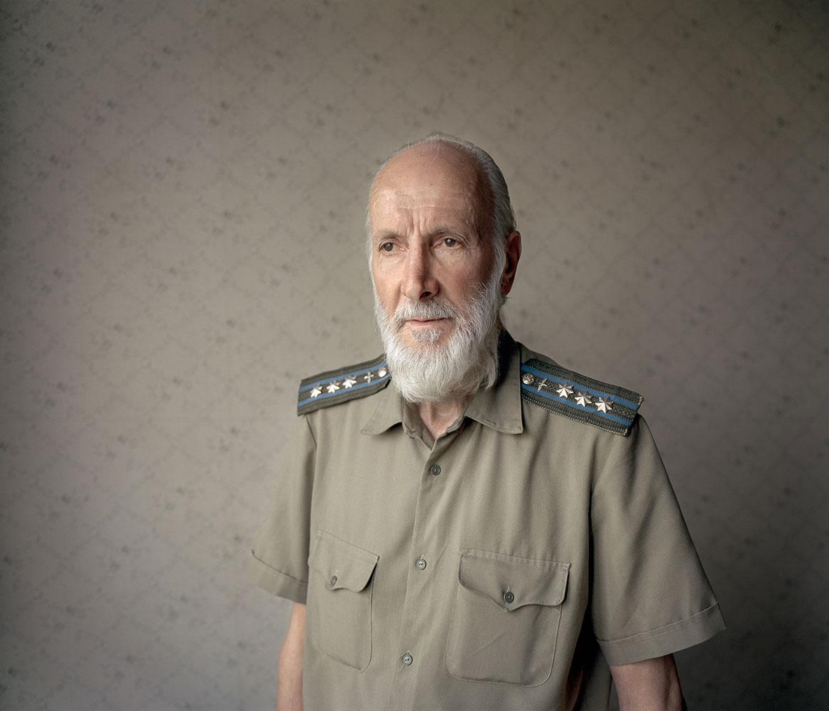 Михаил был охранником в Мавзолее Ленина и Сталина в Москве.
