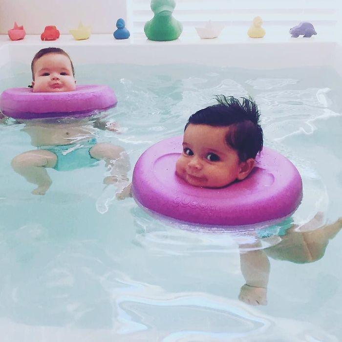Здесь малыши могут вволю поплескаться в теплом бассейне с мягкими волнами.